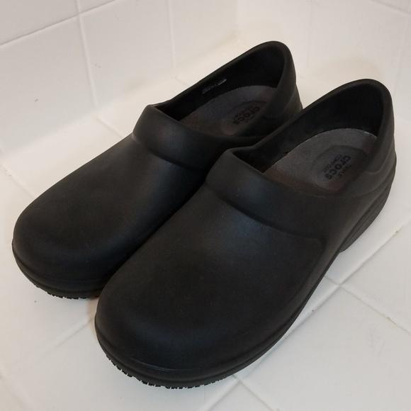 c8735b4e9c CROCS Shoes - Crocs Slip Resistant Nursing Shoes in Size 10